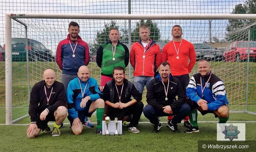 Wałbrzych: II miejsce policjantów w IV Turnieju Piłki Nożnej o Puchar Kapelana Policji