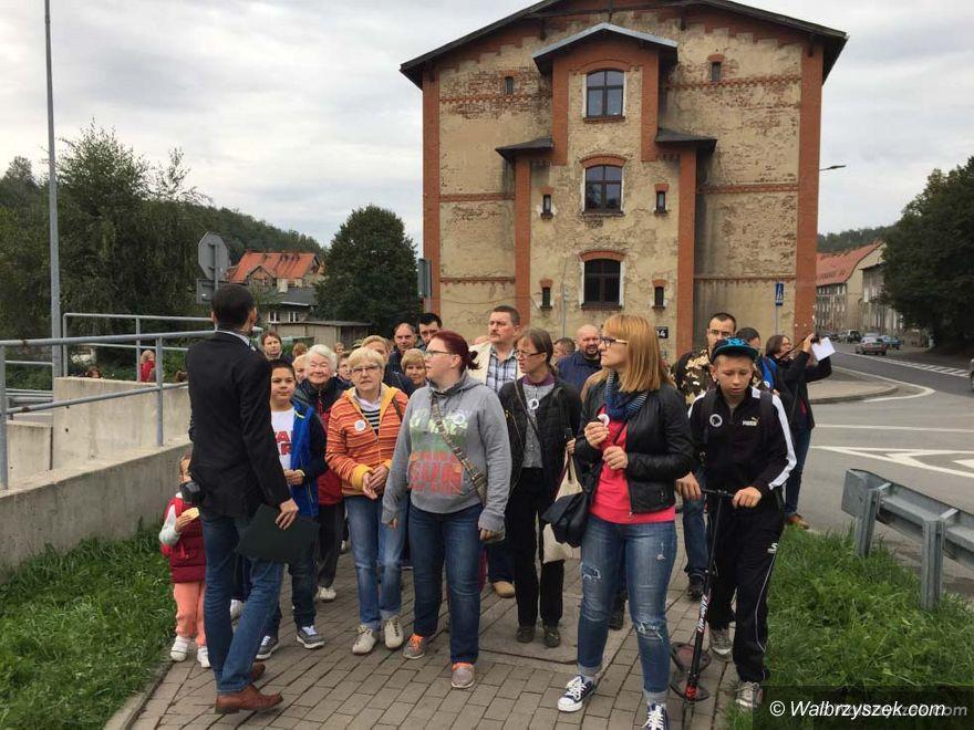 Wałbrzych: Poznawali Sobięcin