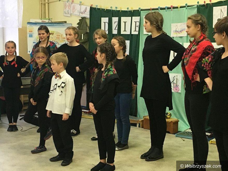 REGION, Szczawno-Zdrój: Muzykowanie w szczawieńskiej podstawówce