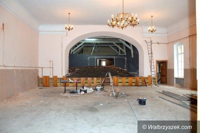 REGION, Głuszyca: Głuszycka sala widowiskowa remontowana