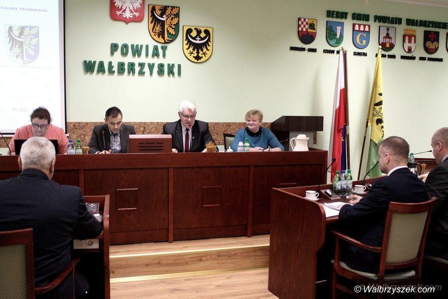 powiat wałbrzyski: Sprawa Radnego Muchy zdominowała Sesję Rady Powiatu