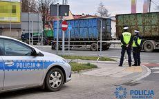 Wałbrzych/powiat wałbrzyski: Policjanci sprawdzali, czy pojazdy spełniają wymagania ochrony środowiska