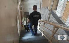 REGION, Zagórze Śląskie: Policjanci zatrzymali 51–letnią kobietę za kradzież portfela z dużą ilością gotówki
