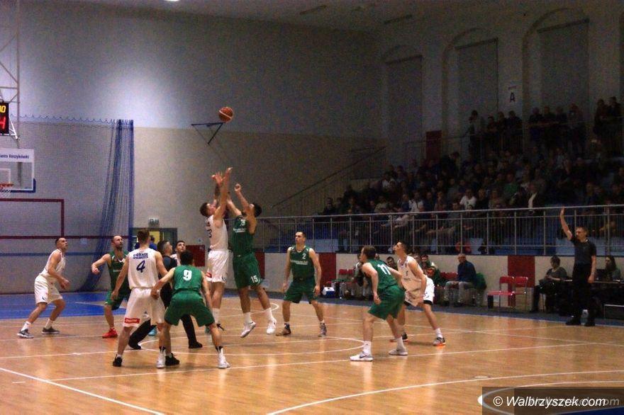 Wałbrzych: II liga koszykówki: Zwycięstwo nad Muszkieterami