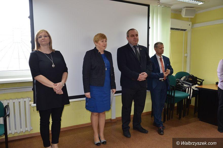 powiat wałbrzyski: Dzień Pracownika Publicznych Służb Zatrudnienia w Powiatowym Urzędzie Pracy