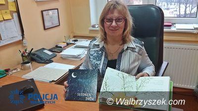 Wałbrzych: Pracownik wałbrzyskiej komendy realizuje swoje pasje pisząc bajki (nie tylko) dla dzieci