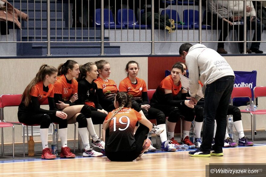 Wałbrzych: III liga siatkówki kobiet: Pewna wygrana siatkarek Chełmca