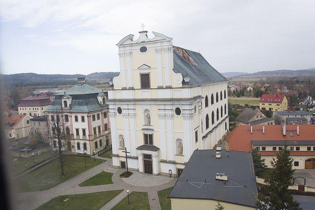 REGION, Krzeszów: Dziś zabezpieczą dach kościoła pw. św. Józefa w Krzeszowie
