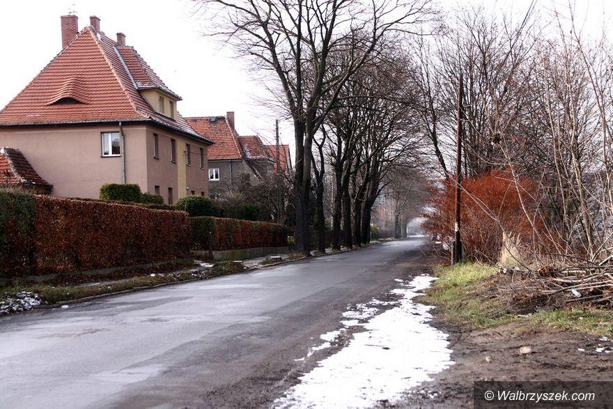 Wałbrzych: Remontują drogi