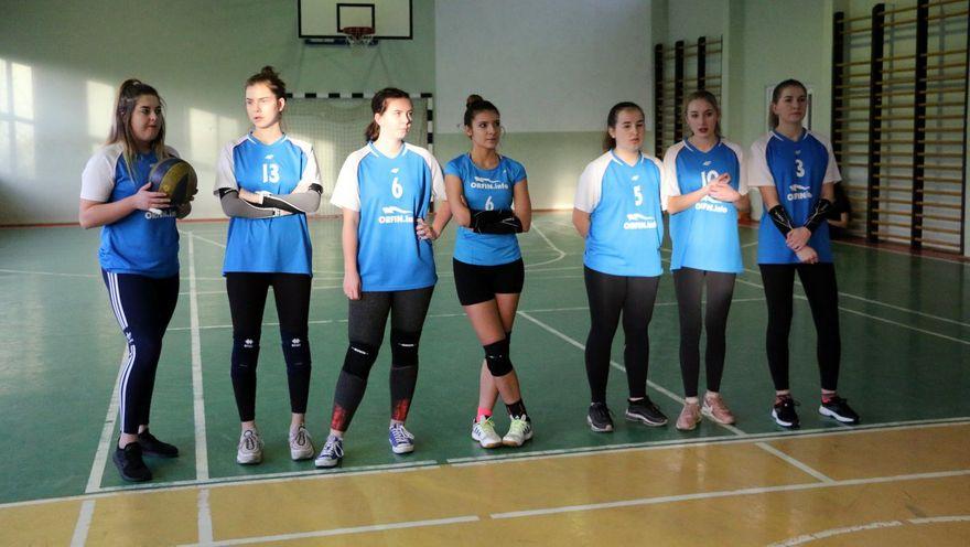 Wałbrzych: Siatkówka szkolna