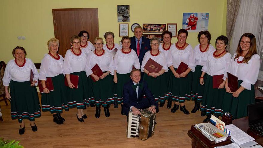 REGION, Mieroszów: Irysy u burmistrza