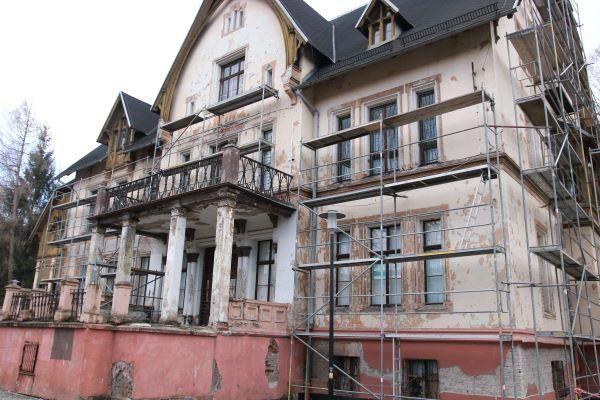 REGION, Głuszyca: Remontują byłą szkołę