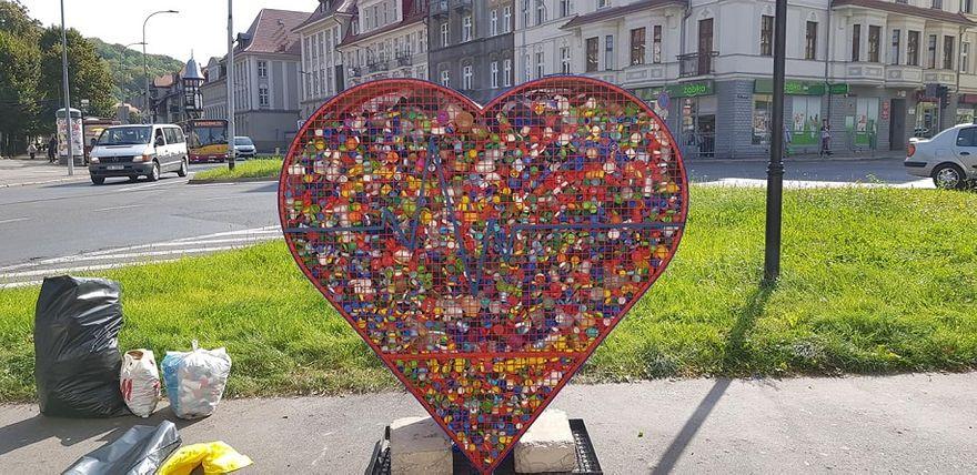 Wałbrzych: Serce pełne nakrętek