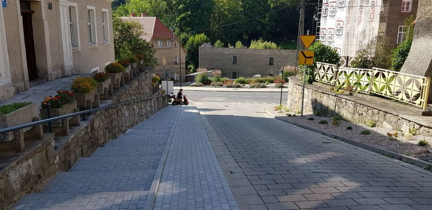 REGION, Jedlina-Zdrój: Wyremontowane chodniki