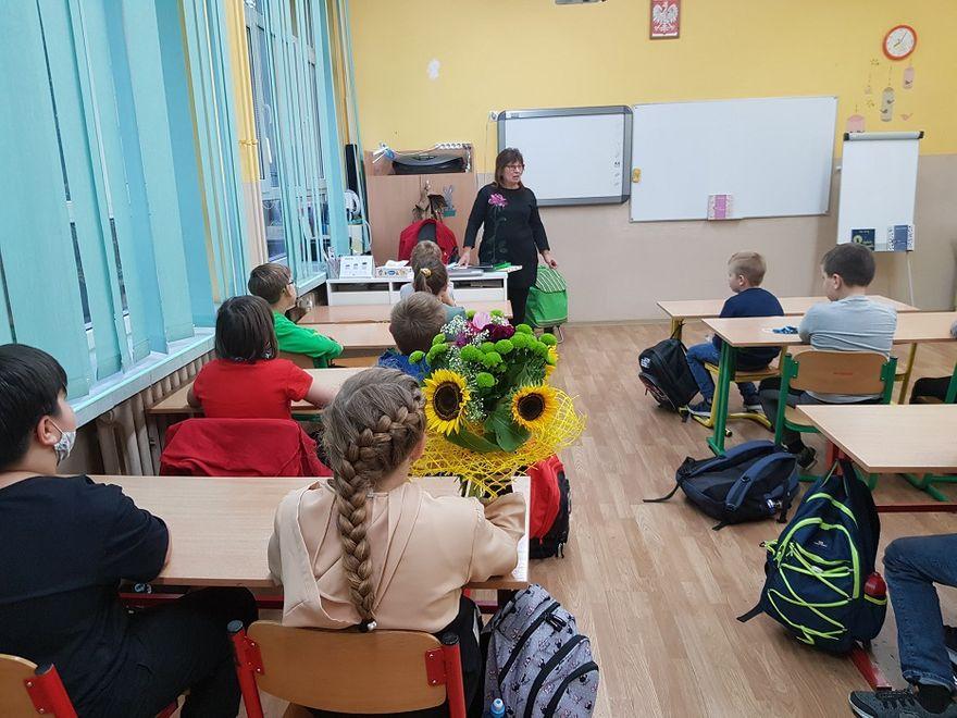 Wałbrzych: Bajkopisarka u dzieci