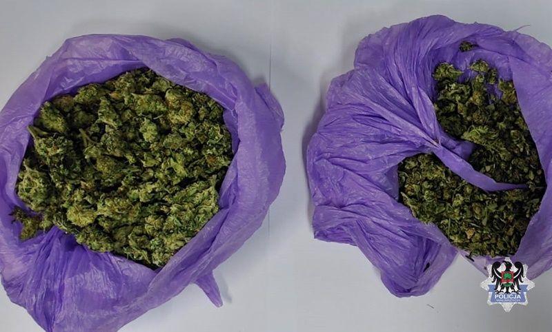 Wałbrzych: Narkotyki ukryte w aucie
