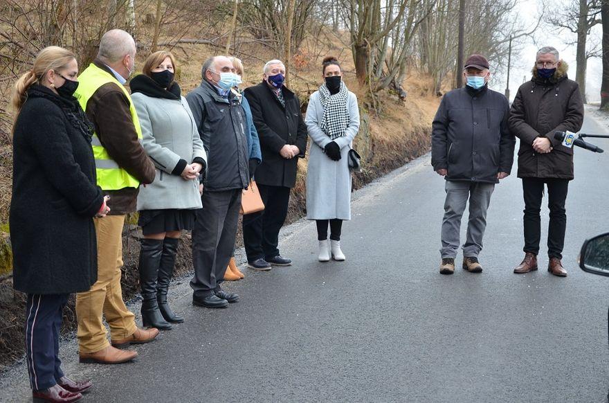 powiat wałbrzyski: Newralgiczna droga po remoncie