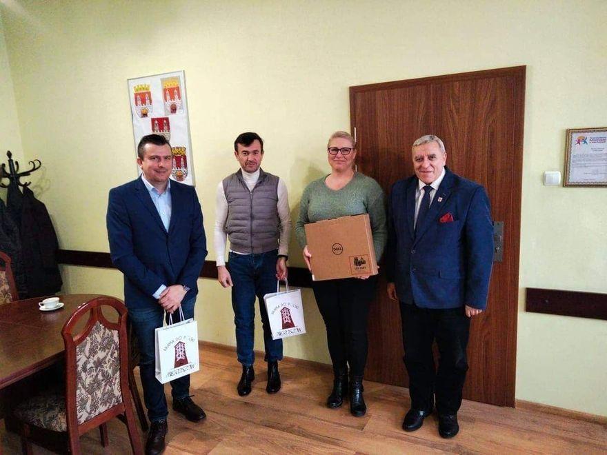 REGION, Mieroszów: Kładą światłowody