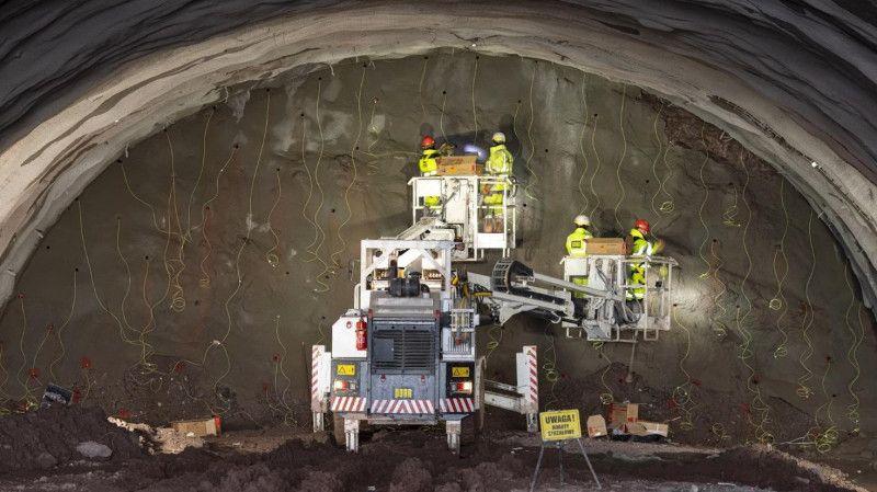 REGION: Drążą tunel