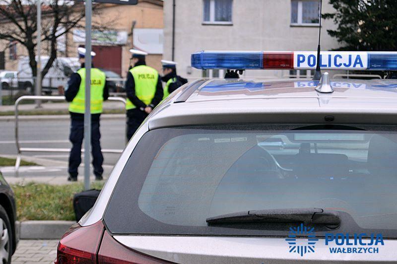 Wałbrzych/powiat wałbrzyski: Rozbił zaparkowane auta