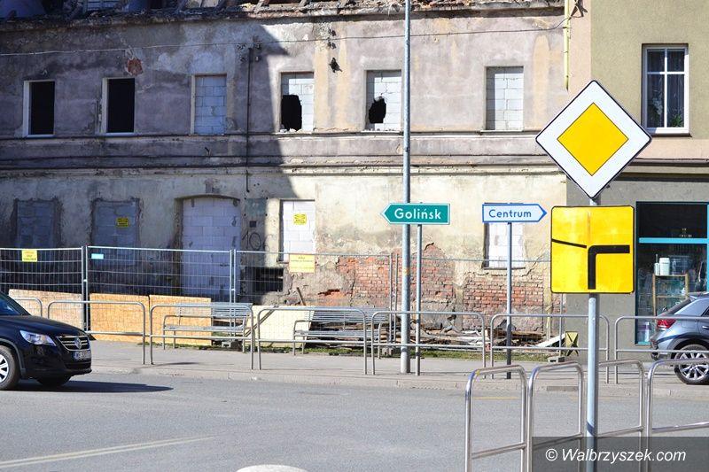 Wałbrzych: Rozbiórka na Niepodległości