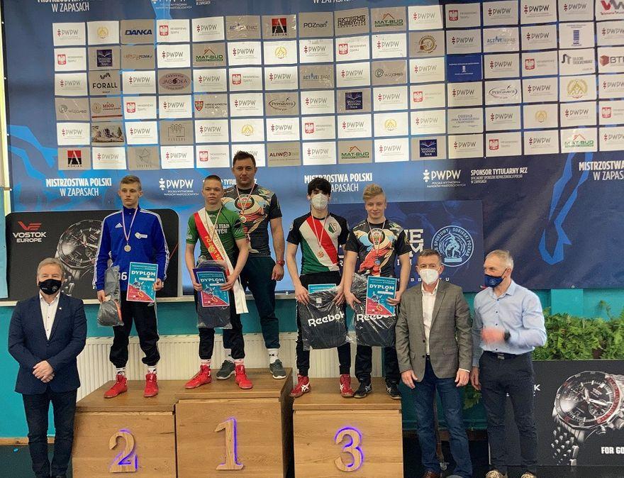 Wałbrzych/Kraj: Trzy medale zapaśników