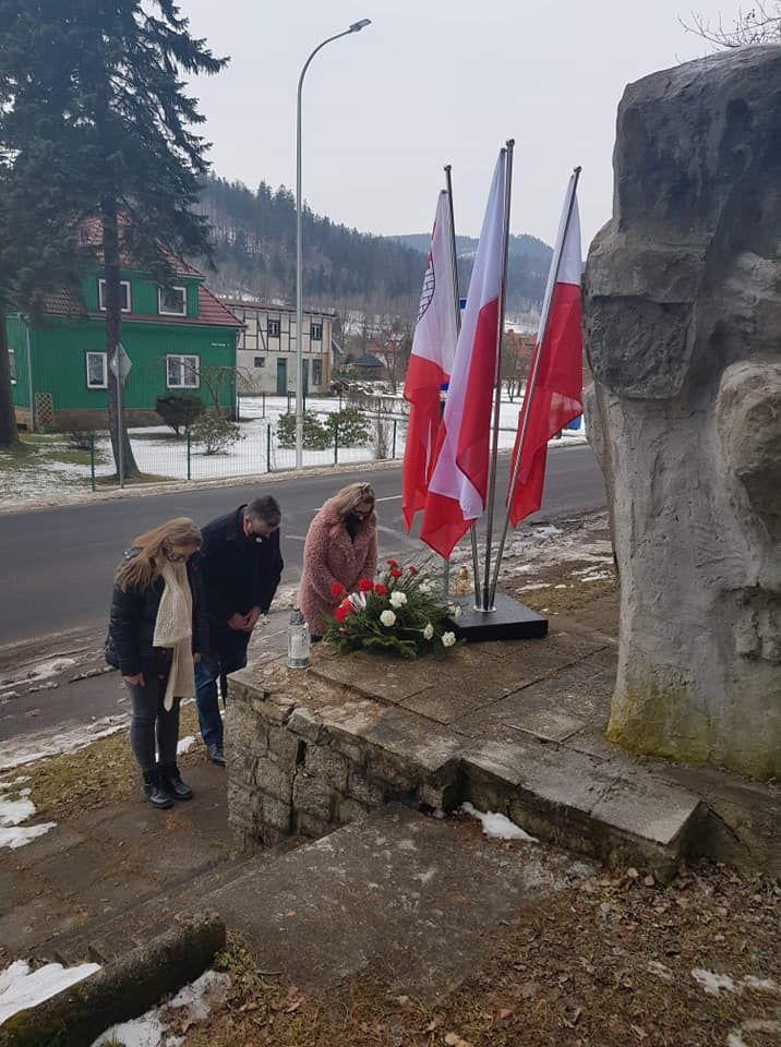 REGION, Mieroszów: Hołd pomagającym