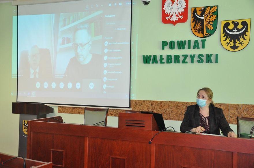 powiat wałbrzyski: Powiatowe sprawy