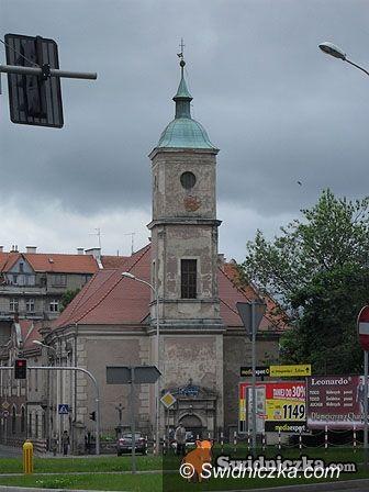 powiat świdnicki: Oszuści atakują kościoły