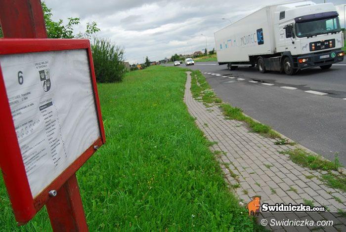 Świdnica: Nowa zatoka i portiernia dla MPK