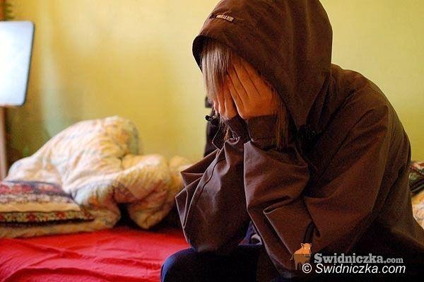 Świebodzice: Pedofil z Wałbrzycha molestował siedmiolatkę ze Świebodzic