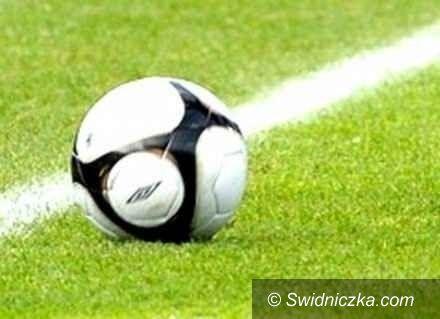 powiat świdnicki: Grom Witków odbija się od dna