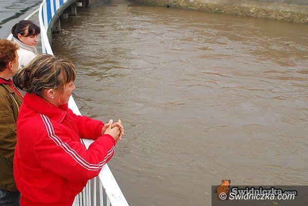 Dolny Śląsk: Stan wody w rzekach podnosi się, synoptycy i hydrolodzy alarmują
