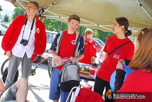 Świdnica: PCK walczy z głodem – dziś i w piątek kwesta