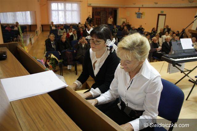 Świebodzice: Społeczne Ognisko Muzyczne w Świebodzicach świętuje półwiecze