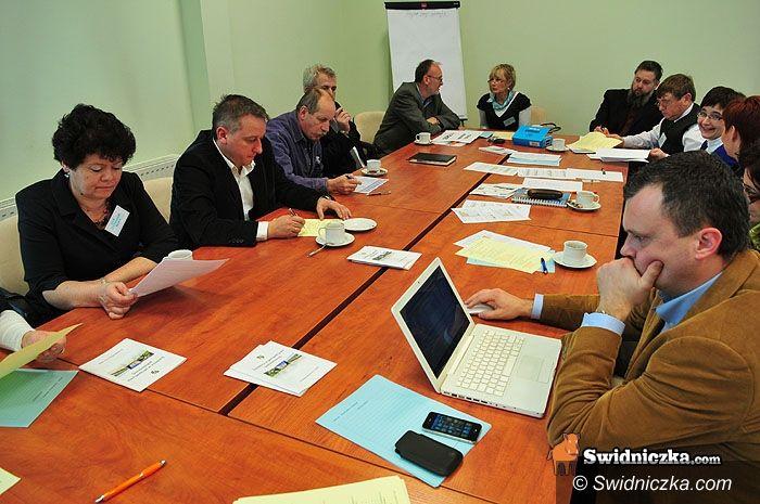 Świdnica: Praca w grupach nad kłopotami zwykłych ludzi