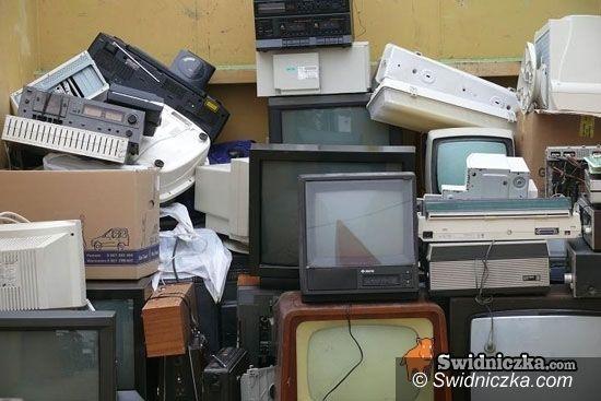 Świdnica: Oddaj za darmo pralkę, lodówkę i monitor od komputera
