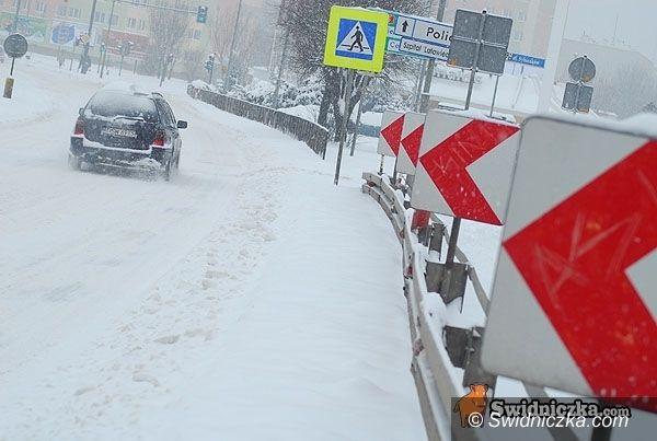 powiat świdnicki: Sparaliżowane drogi wojewódzkie