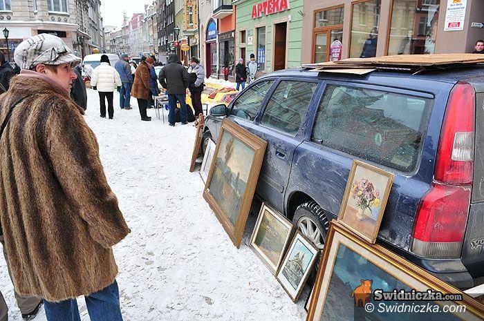 Świdnica: Starocie wśród śniegu