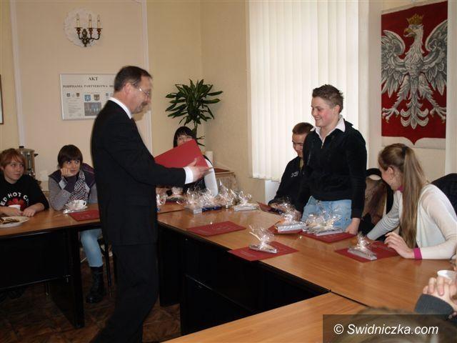 Świebodzice/Świdnica: Wolontariusze docenieni