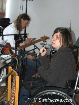 Świdnica/Szczawno-Zdrój: Niepełnosprawni artyści dopisali, niech publiczność też dopisze!