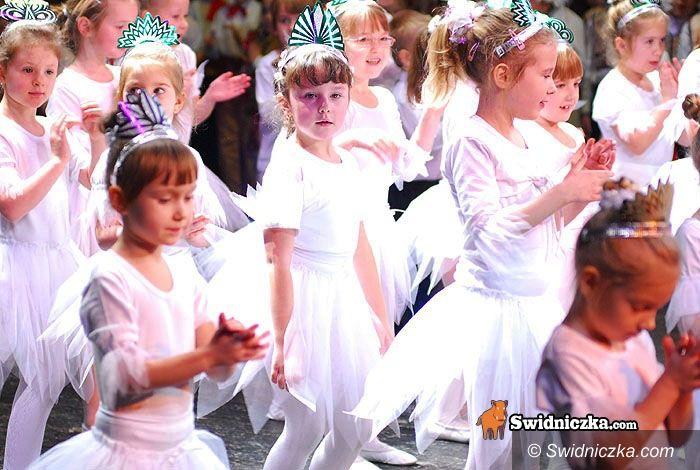 Świdnica: Harcowali z jasełkami na scenie