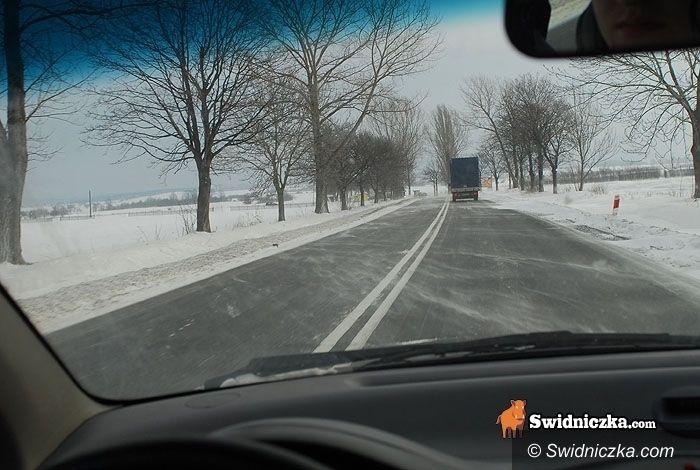 powiat świdnicki: Kilka dróg z nawianym śniegiem