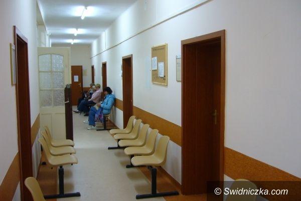 Świebodzice: Świebodzicka przychodnia ma dobry kontrakt, w mieście jest też bezpłatna rehabilitacja