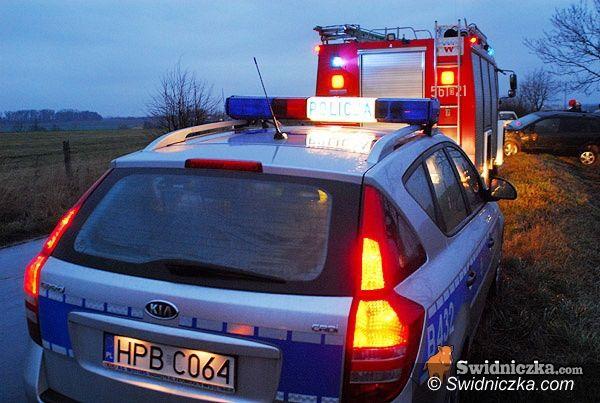 Świdnica/Mokrzeszów: Wypadek pod Mokrzeszowem – trzy samochody rozbite