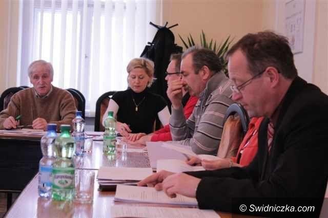 Świebodzice: Specjalna sesja w Świebodzicach w sprawie pogotowia