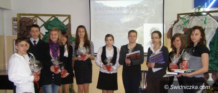 Marcinowice: Gimnazjaliści i opowieści o zbójnikach