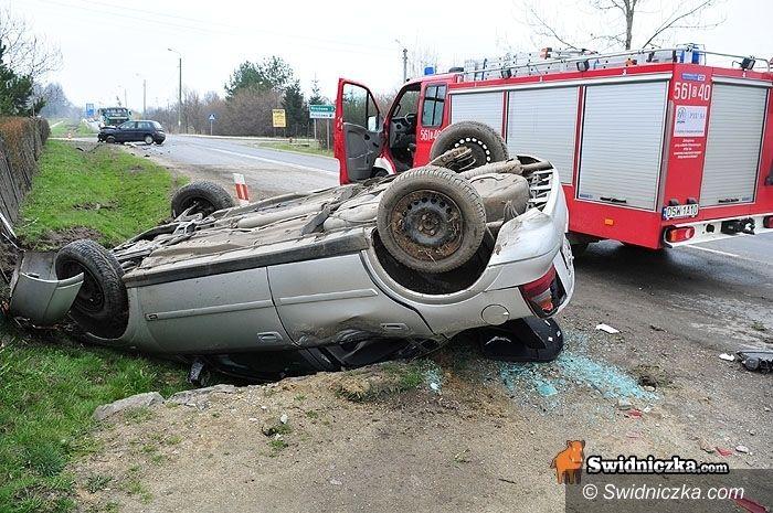 powiat świdnicki: Meldunek z pracy pogotowia: czterysta wyjazdów, sześć do wypadków