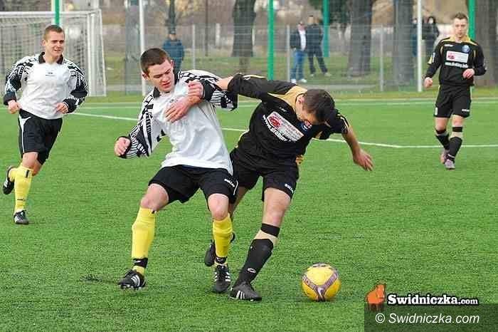 klasa okręgowa: Piłkarska klasa okręgowa: hity kolejki w Strzegomiu i Świebodzicach