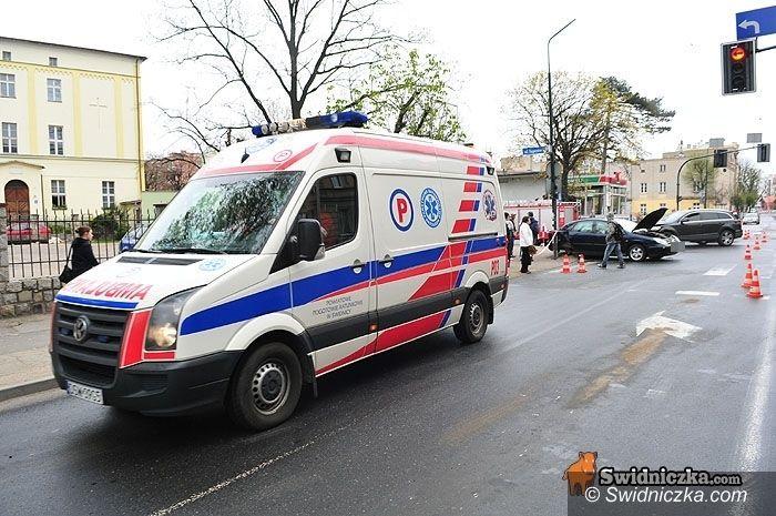 powiat świdnicki: Z pracy pogotowia: 38 pijanych do przebadania